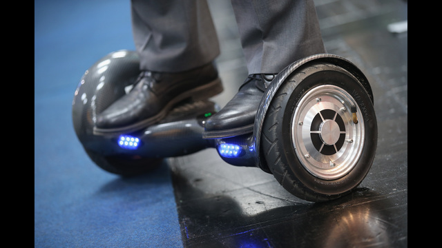Samsungs, Teslas and hoverboards: Why lithium-ion batteries go up in flames | 11alive.com