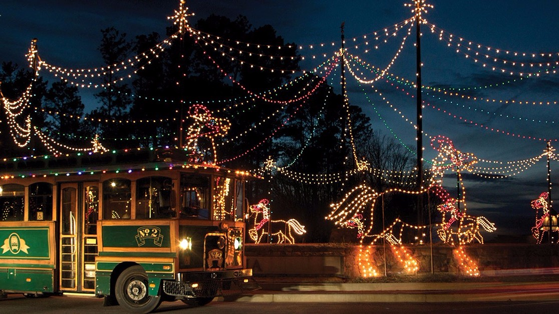 Best places to see christmas lights in atlanta for Best places to visit for christmas