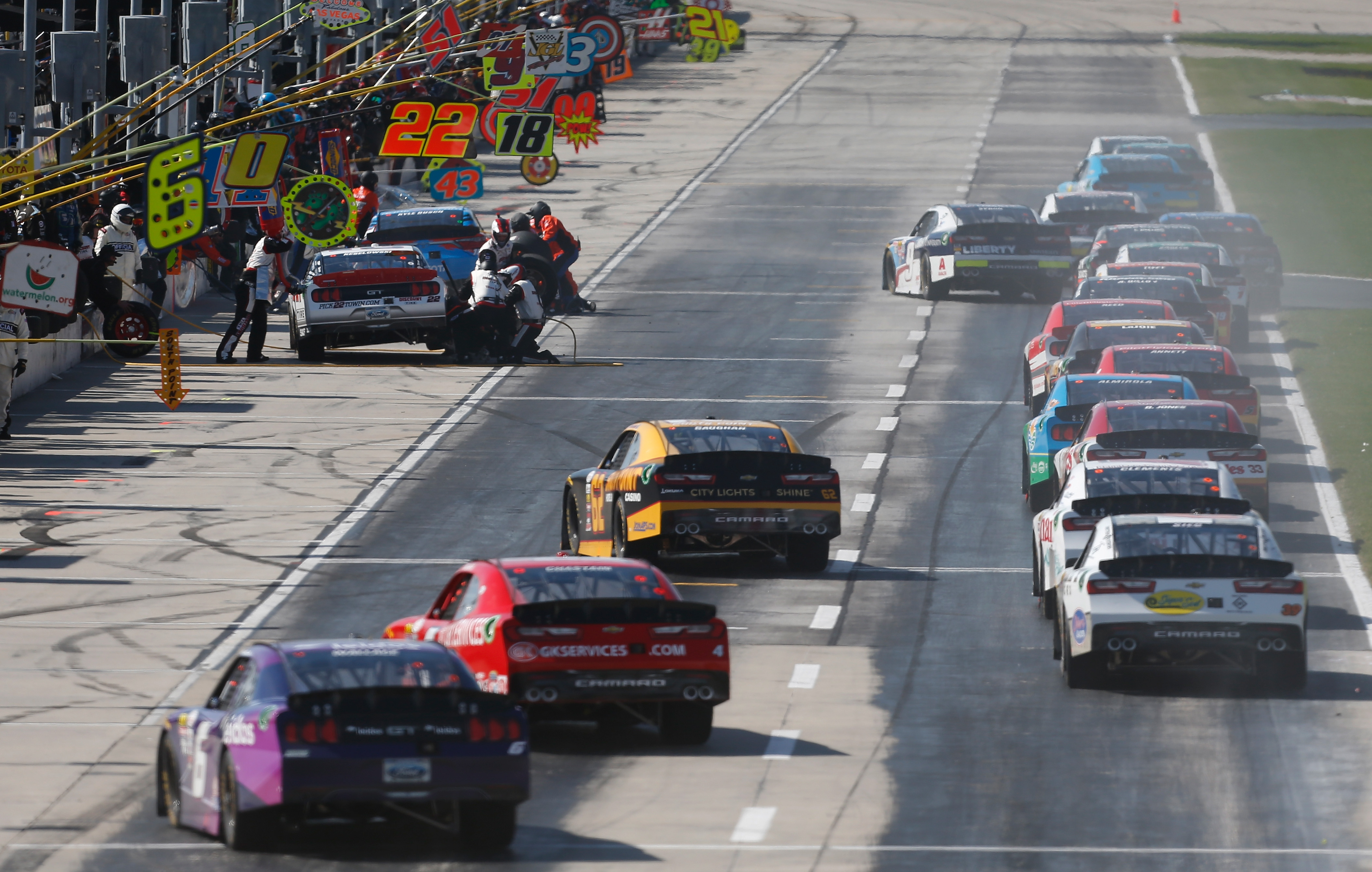 Why is sunday 39 s nascar race historic for for Events at atlanta motor speedway