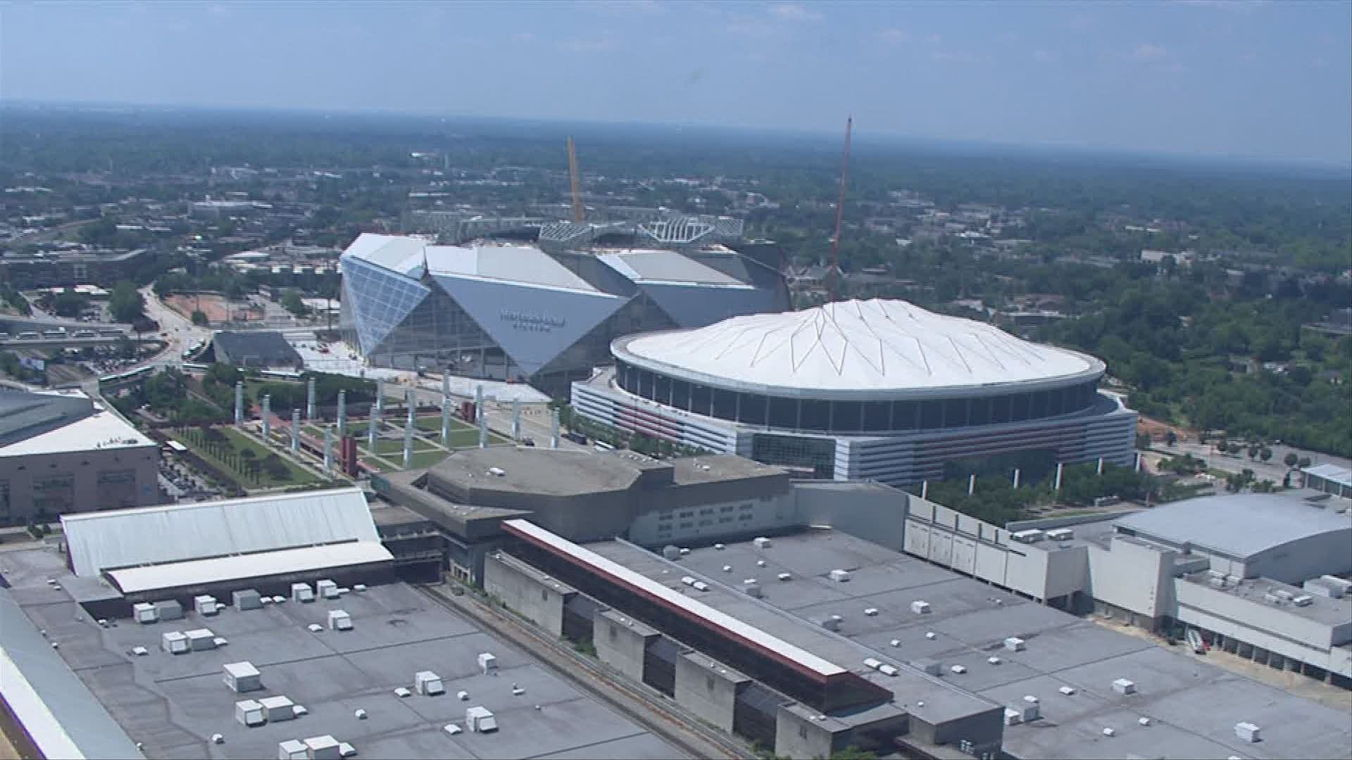 mercedes benz stadium 39 s retractable roof won 39 t be ready