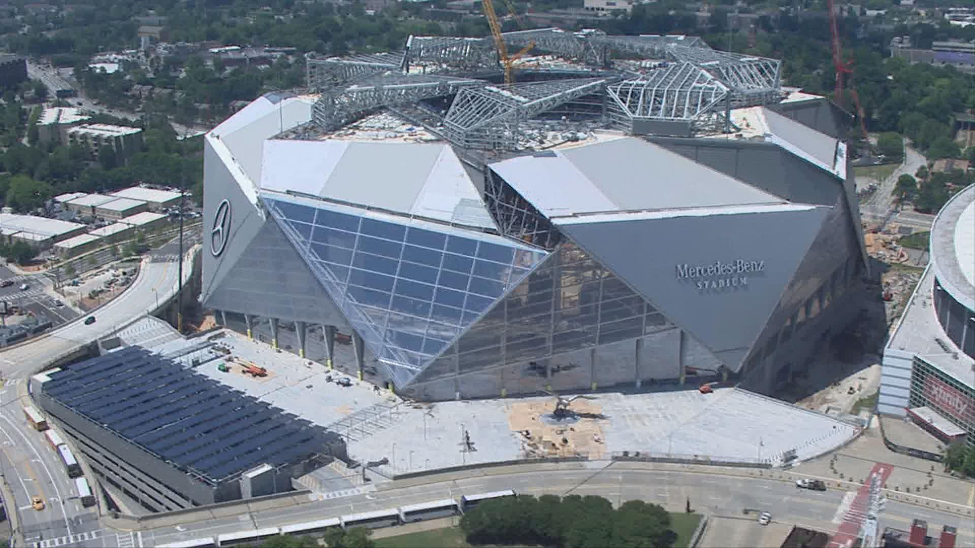 Mercedes benz stadium opens its doors full for Mercedes benz stadium atlanta jobs