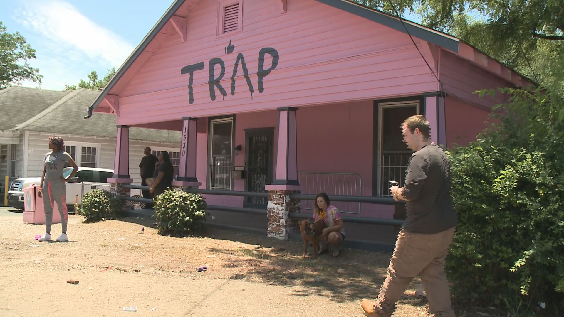 Pictures House the pink 'trap house' is pink no more | 11alive